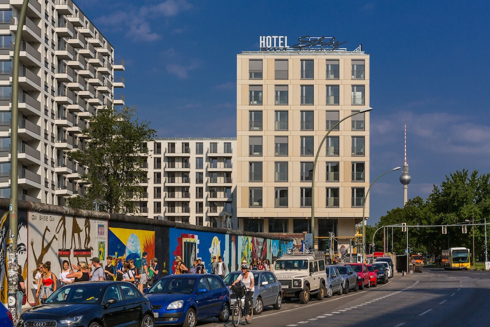 Schulz Hotel Berlin Wall At The East Side Gallery  2019