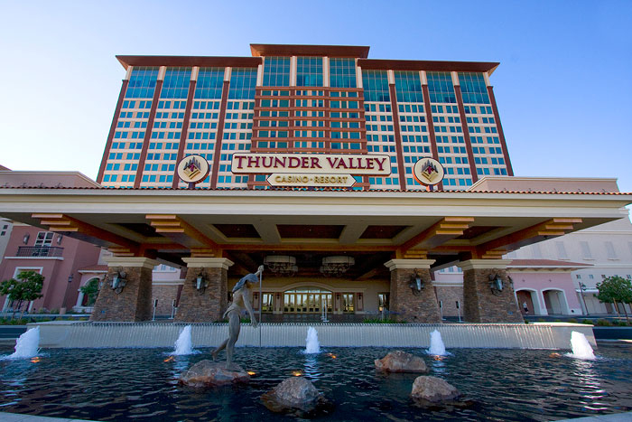 Thunder Valley Casino Vip Limo Party Package  Land Yacht