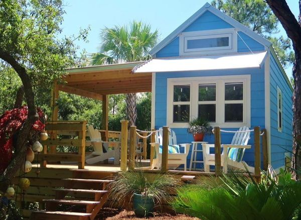 Tiny Beach Cottage With Two Lofts