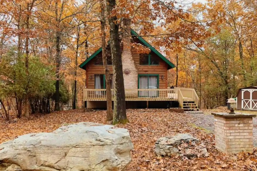 Woodsy Airbnb Cabins Near Philadelphia To Book Now