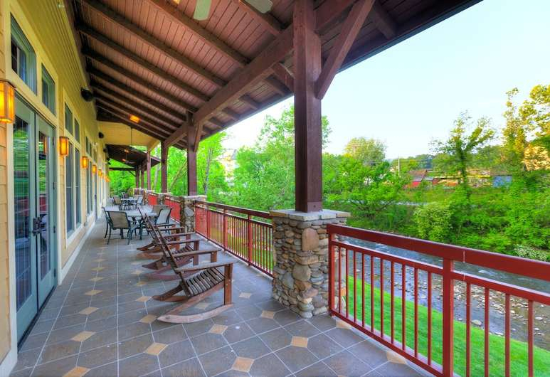 Book Riverstone Resort  Spa In Pigeon Forge  Hotels