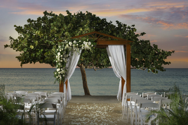 Couples Resorts Ask Me About Their Great Promotions For