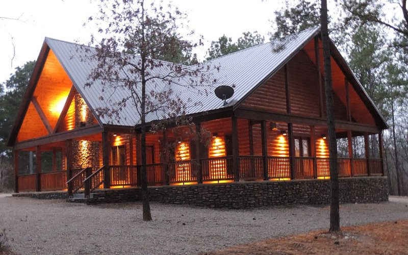 Honeymoon Luxury Cabin 1 Br 1 W/Jacuzzi Has Parking And
