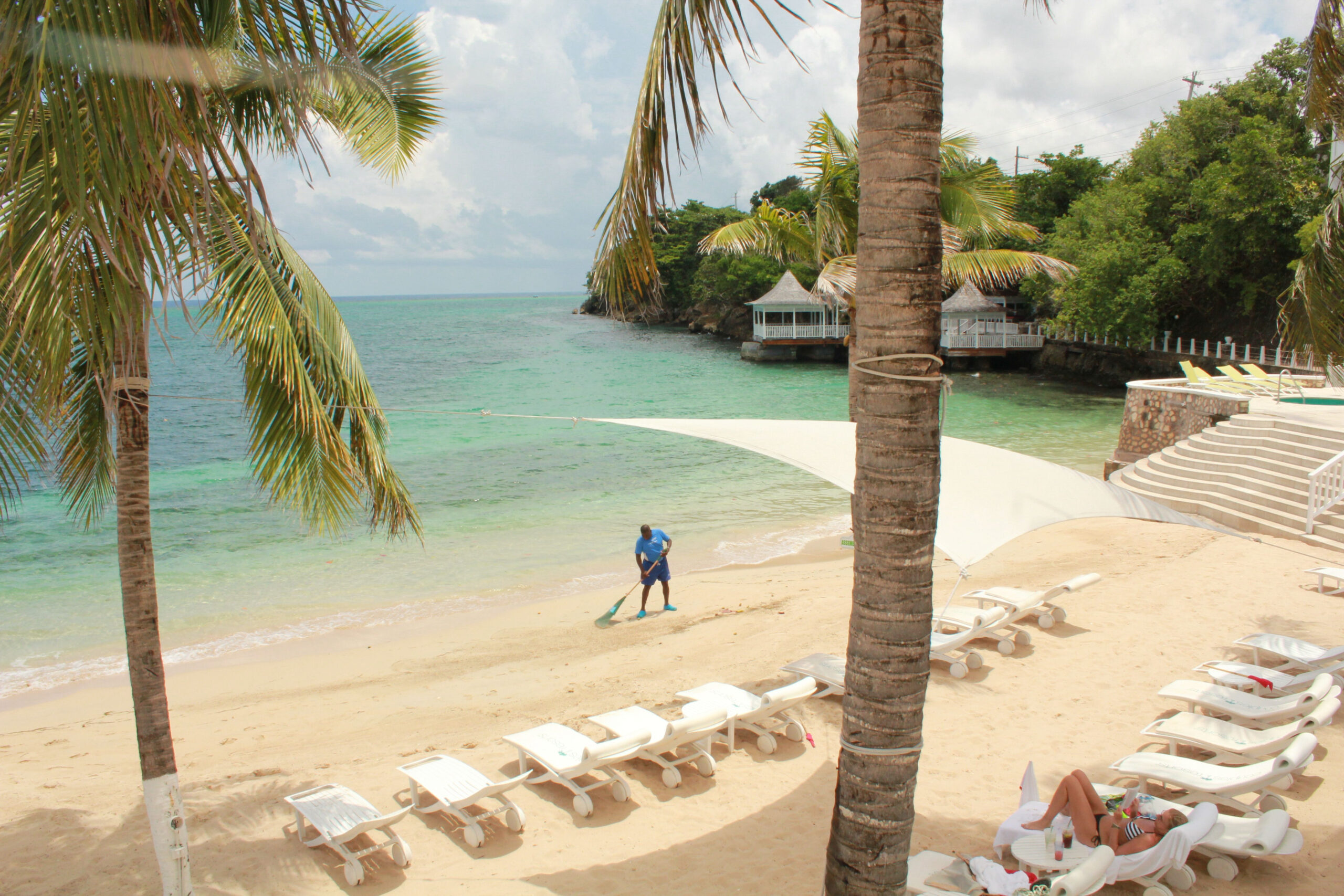 Loungers Awaiting You In Caribbeanparadise