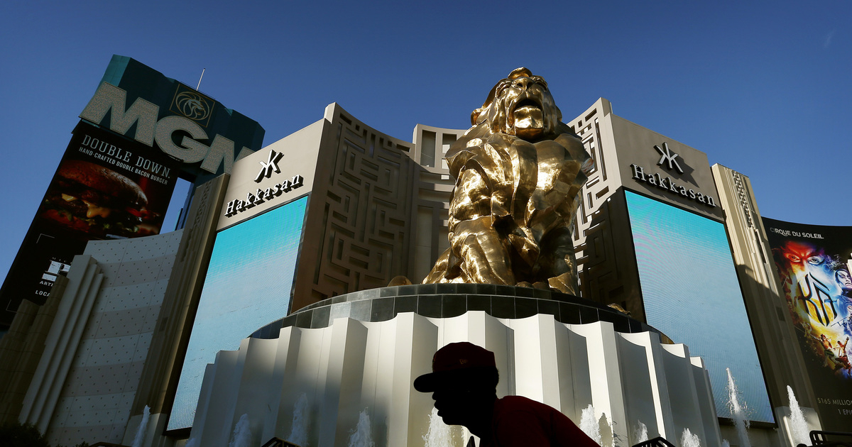 Mgm Resorts Selling Mgm Grand Real Estate Assets For 25B