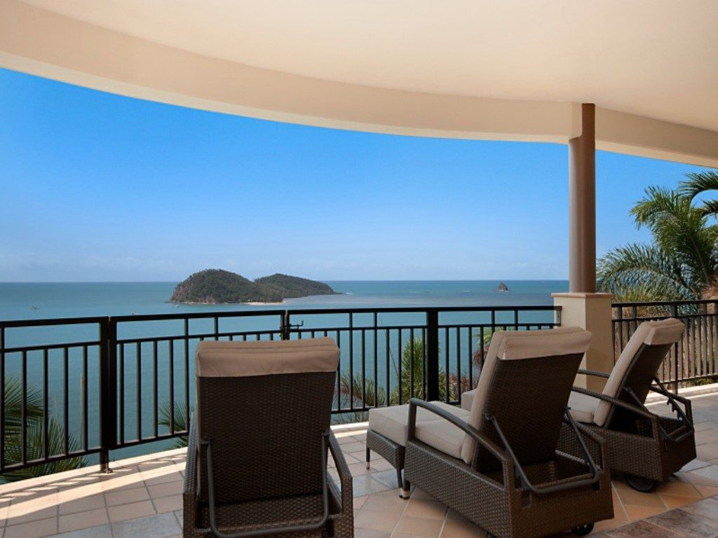 Munbilla  Buchans Point Palm Cove Accommodation In Palm