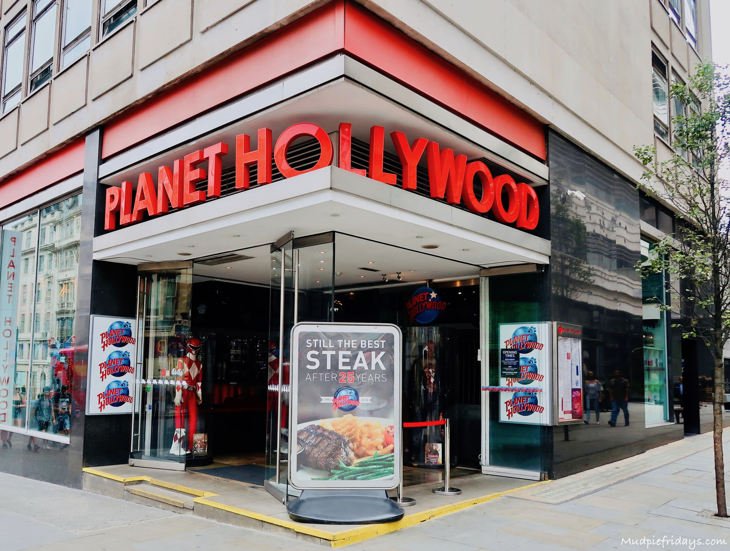 Review Planet Hollywood London  Mudpiefridays