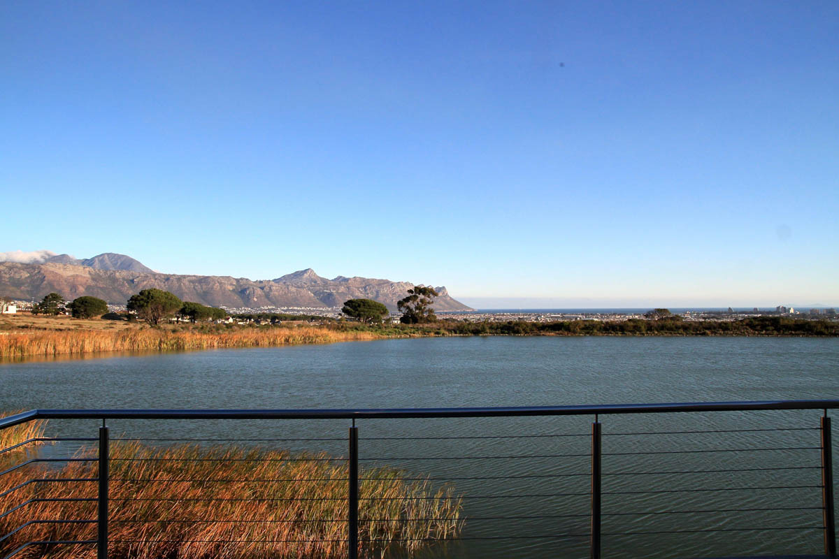 Sea View Lake House  Somerset West  Cape Luxury