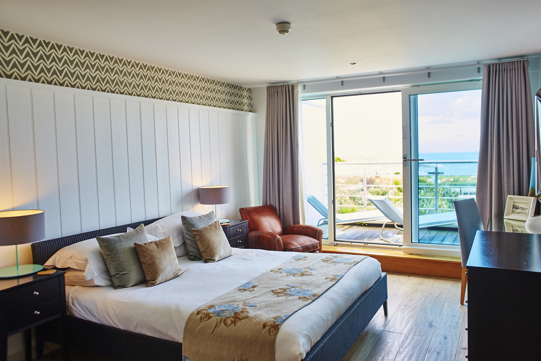 Sea View Suites  St Moritz Hotel And Spa Near Rock