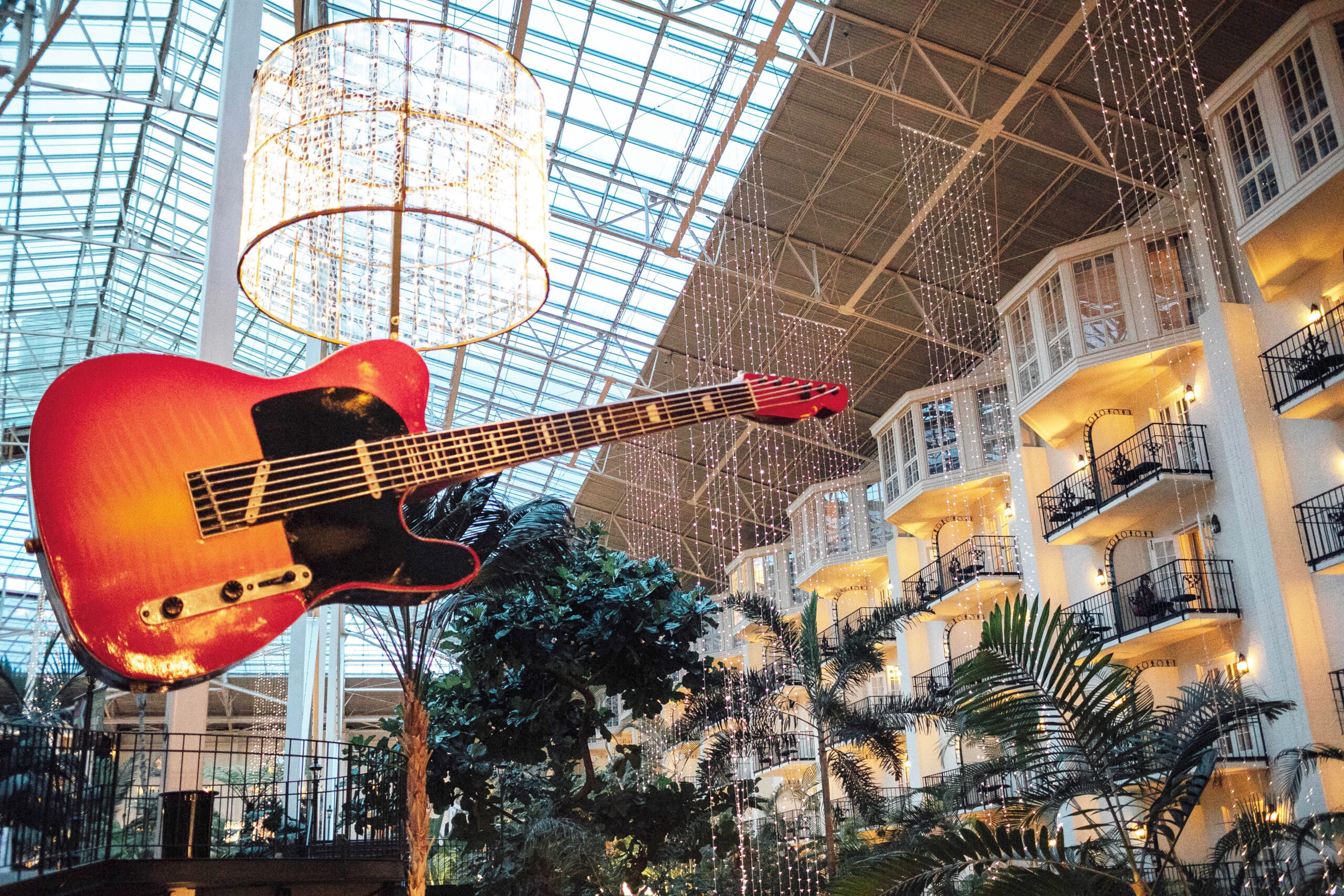 5 Things To Do At Gaylord Opryland  Walking In Memphis In