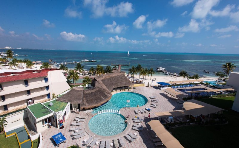 Ocean View Hotel Zone Cancun Studio 327 Has Terrace And