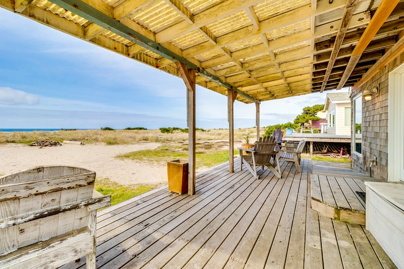 Oceanfront Dogfriendly Beach House With Amazing Views