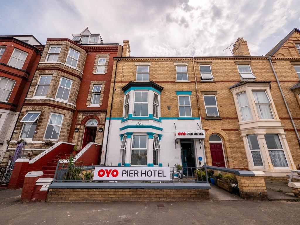 Pier Hotel Rhyl  Things To Do North Wales